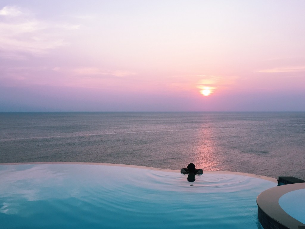 Ko Tao Sunset Infinity pool