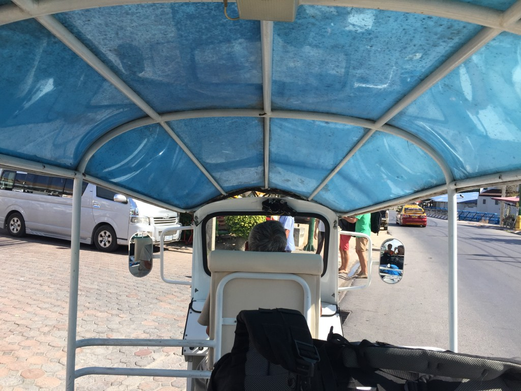 Tuk Tuk to Lanna Resort in Ko Samui